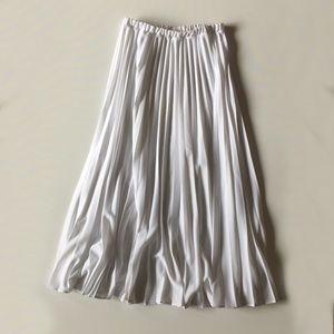 Vintage 80s White Pleated High Waist Maxi Skirt M